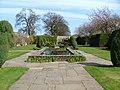 Falkland Palace garden - panoramio - tormentor4555.jpg