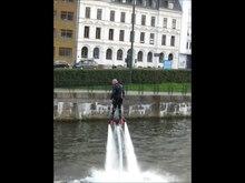 Fichier:Flyboarding, Malmö.webm