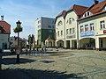Fontanna na Rynku i strefa darmowego dostępu do internetu - panoramio.jpg