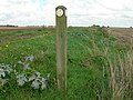 Footpath sign - geograph.org.uk - 245776.jpg
