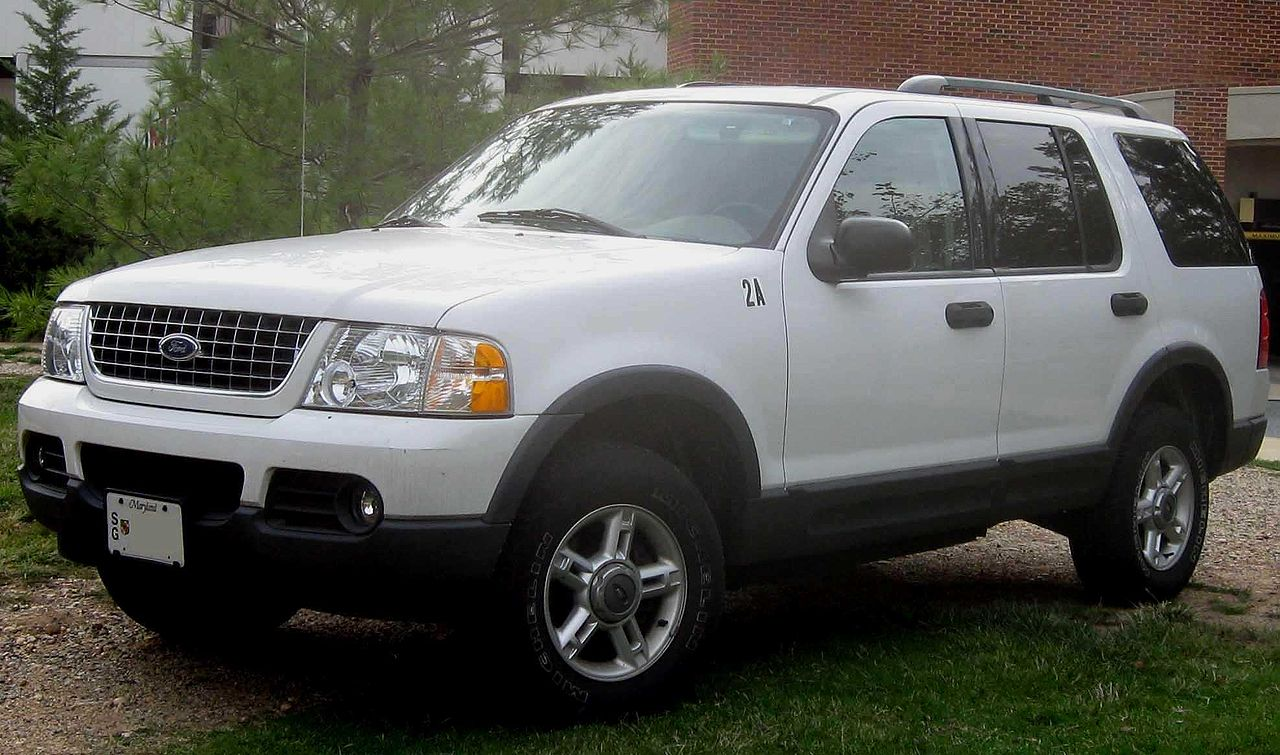 2005 Ford Expedition Off Road >> File:Ford Explorer XLT.jpg - Wikimedia Commons