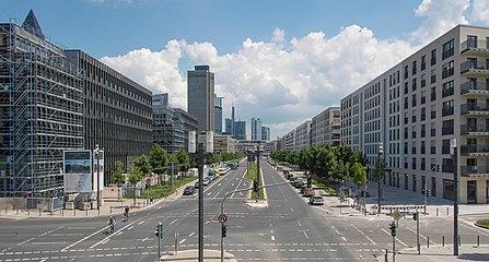 Frankfurt Europa-Allee.Ost.20130607.jpg