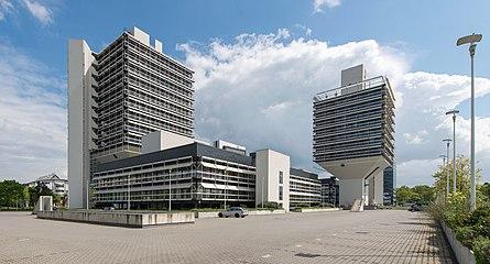 Frankfurt Lyoner Straße 34.20130511.jpg