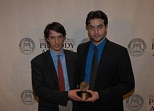 Jules and Gédéon Naudet - Gédéon Naudet and Jules Naudet, posing with their Peabody Award, May 2003