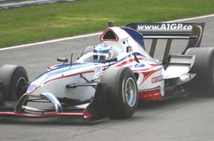 A1 Team Great Britain - Robbie Kerr negotiates Pilgrim's Drop at Brands Hatch during the 2005-06 curtain raiser.
