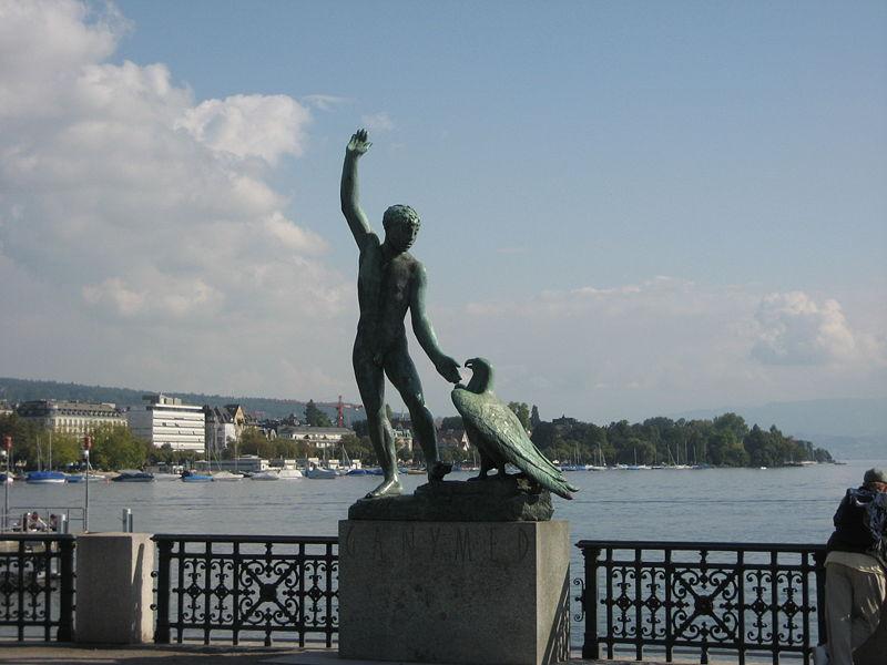 Fichier:Ganymede statue Zürich Bürkliplatz.JPG