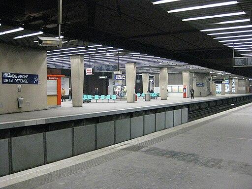Gare RATP La Défense