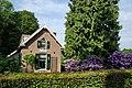 Gelders Landschap house with nice garden at Warnsborn Schaarsbergen - panoramio.jpg