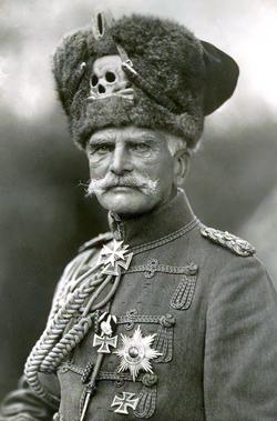 General Feldmarschall August Von Mackensen (cropped).png