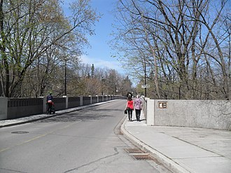 Governor's Bridge, Toronto - The Governor's Bridge is located in the neighbourhood's western section.