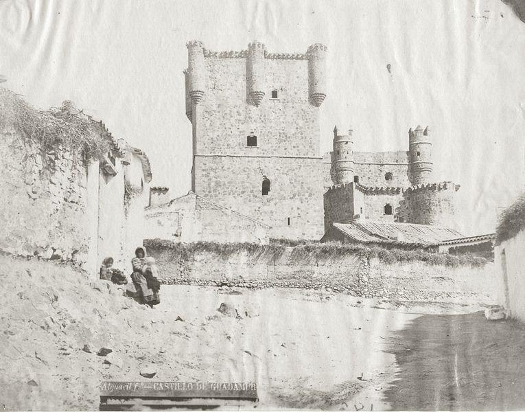 File:Guadamur castillo Alguacil.jpg