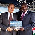 Gustavo Gonzalez et President du Burundi.jpg