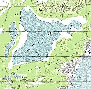 Halalii Lake - Image: Halalii Lake on topo map of southern Niihau Island, Hawaii