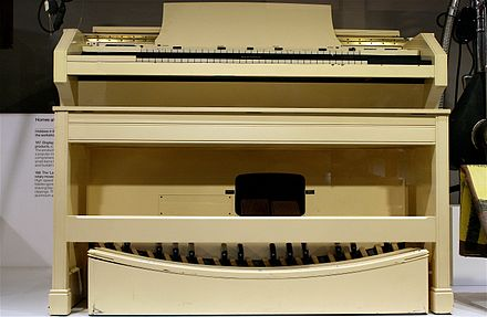 The Concert Model E was designed for the church and features a full 32-note pedalboard. Hammond Concert model E Organ - Science Museum, London.jpg