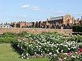 Hampton Court Palace - geograph.org.uk - 1926799.jpg