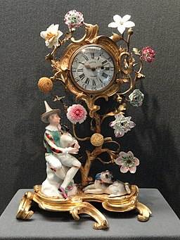 Harlequin with bagpipes and a pug-dog mounted on a clock, c. 1745-1752 harlequin, c. 1752 pug, ormolu mounts c. 1765, Meissen, modeller Johann Joachim Kandler, hard-paste - Gardiner Museum, Toronto - DSC00866