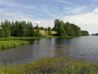 Maaninka - Image: Havukkasalmi Sound (Lake Maaninkajärvi) in Tuovilanlahti village, Maaninka, Finland