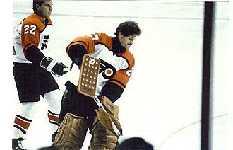 Ron Hextall - Hextall in 1987, pictured alongside Rick Tocchet.