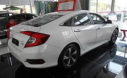 Honda Civic X sedan 04 China 2016-04-18.jpg