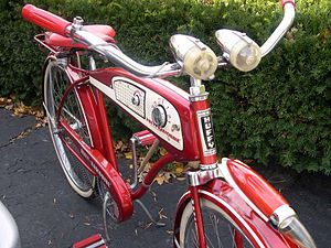 Cruiser bicycle - 50's Huffy Radio Bicycle