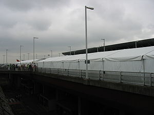 2006 transatlantic aircraft plot - Tents on the car park in front of terminal 4. Heathrow, 14 August. Erected to give people a place to stay while waiting for their flight to depart