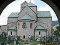 Innichen Stiftskirche - Apsis von Außen 2.jpg
