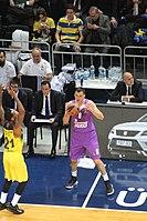 James Nunnally 21 Fenerbahçe men's basketball vs Jonas Mačiulis 8 Real Madrid Baloncesto Euroleague 20161201 (3).jpg