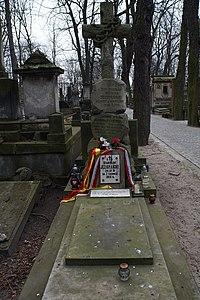 Jan Nowak-Jeziorański - grób.jpg