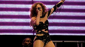 Jennifer Lopez - Pop Music Festival (73).jpg