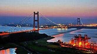 G2 Beijing–Shanghai Expressway - The expressway crosses the Yangtze River over the Jiangyin Suspension Bridge