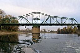 Jibboom Street Bridge from river in 2004.jpg