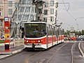 Jiráskovo náměstí, Tatra KT8D5R.N2P stanicuje.jpg