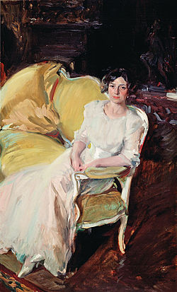 Joaquín Sorolla y Bastida - Clotilde seated on the Sofa - Google Art Project.jpg