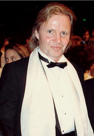 Angelina Jolie - Jon Voight at the Academy Awards in April 1988, where his children accompanied him