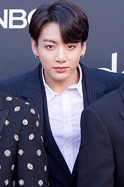 Jungkook on the Billboard Music Awards red carpet, 1 May 2019.jpg