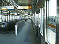 Kanazawa-seaside-line-Nambu-shijo-station-platform.jpg