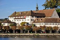 Kapuzinerkloster an der Bühleralle in Rapperswil, Ansicht vom Dampfschiff Stadt Zürich 2011-10-09 17-25-56 ShiftN.jpg