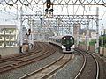 Keihan Nishisanso Station platform - panoramio (2).jpg