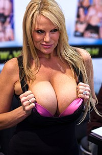 Kelly Madison AVN 2009 1.jpg