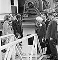 Koningin Juliana bezoekt in Rotterdam binnenschepen t.g.v. jubileum Schippersvereniging Schuttevaer, Bestanddeelnr 927-1463.jpg