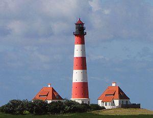 Kulturdenkmal Leuchtturm Westerheversand westlich der Gemeinde Westerhever an der Nordsee in Nordfriesland