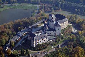 Luftbild der Burg Lockenhaus