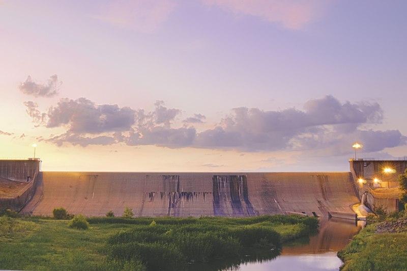File:Lake Tawakoni Iron Bridge Dam in East Texas.jpg