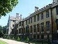 Lambeth Palace London - geograph.org.uk - 1092465.jpg
