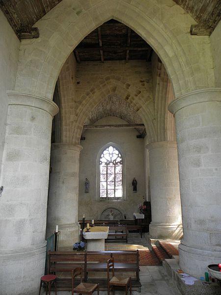 Transept de l'église Saint-Pierre-et-Saint-Paul de Langonnet (56).