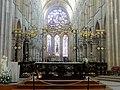 Laon (02), cathédrale Notre-Dame, croisée du transept, clôture liturgique.jpg