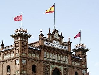 Coat of arms of the Community of Madrid - Image: Las Ventas baneras