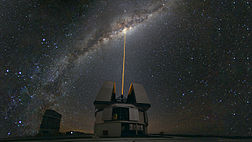Laser Towards Milky Ways Centre Wallpaper.jpg