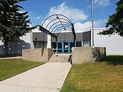 Lawson Heights School (Saskatoon).jpg