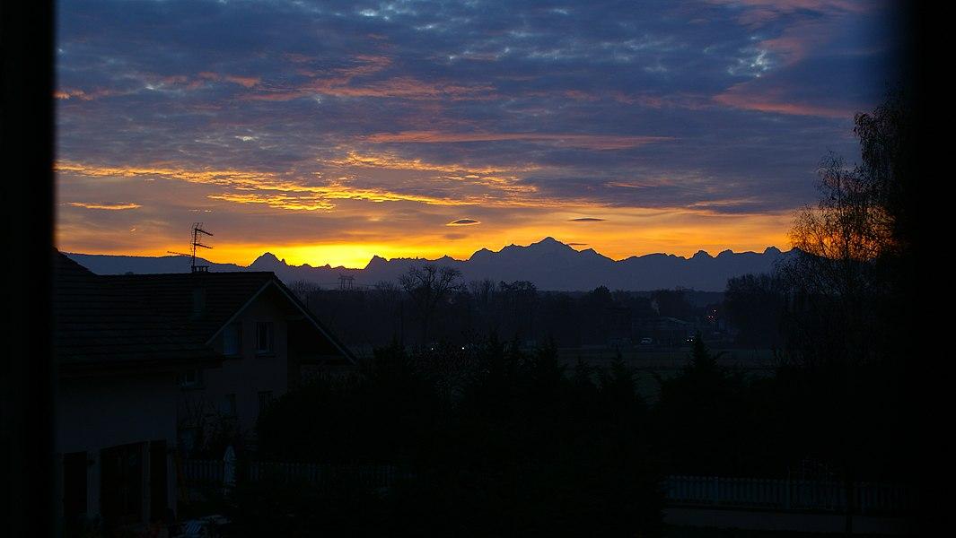 Le Mont Blanc à l'aube en automne